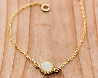 Minimal Gold Bracelet Jade Bracelet with 14k Gold Fill Chain Modern Jewelry Delicate and Dainty Gemstone Bracelet Mothers Day Gift Spring