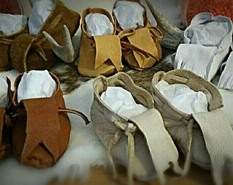 Shoes - Newborn Baby Moccasins - Leather - Soft - Hand Sewn - First - Child