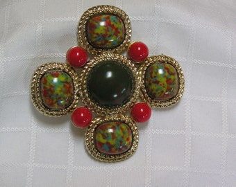 Sarah Coventry Green and red marbled glass stones in braided gold tone Maltese cross brooch