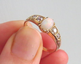ANTIQUE Victorian English 18ct(18kt) Gold Opal/Diamond RING 1897