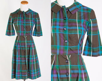 Vintage 1950s Green Purple Blue Plaid Shirtdress w/ Pleated Skirt // Housedress House Shirt Dress Button Down Front 50s Rockabilly Preppy