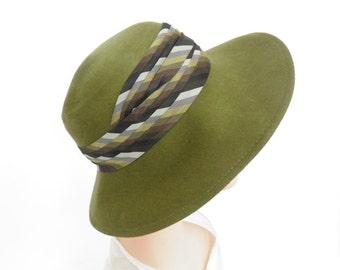 Vintage 1960s hat, Fisk green tilt, striped headband, excellent condition