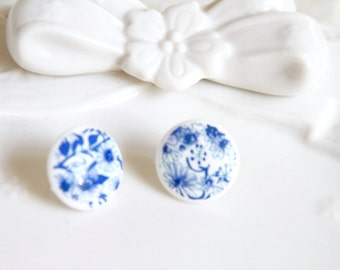 Blue and White floral  round post earrings - Wedding, Bridal, Chinoiserie, Bridesmaid