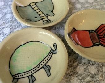 Turtle Soy Bowl - Tiny Jewelry Holder - Salt Bowl - Vitamins Bowl - Tea Bag Holder