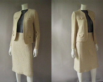 Chanel Style Suit -1960s Cream Boucle Wool Skirt Suit - Cropped Jacket Pencil Skirt - Jackie O Style - Wedding Suit