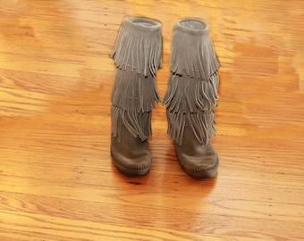 Minnetonka Grey Suede 3 tier Fringe Boots Size 5