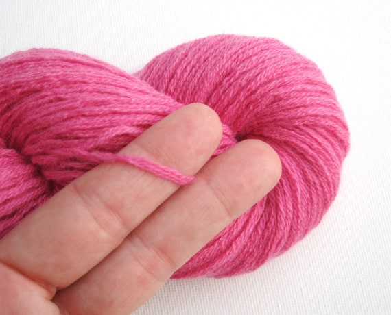dk or light worsted weight cashmere recycled yarn rose pink 270 yards lot 100216 from. Black Bedroom Furniture Sets. Home Design Ideas