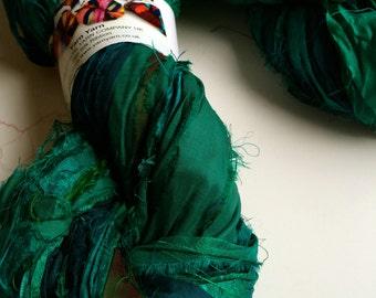 Silk sari ribbon, 300g, premium quality sari silk, ribbon yarn, emerald green. Knitting, jewellery making and more.