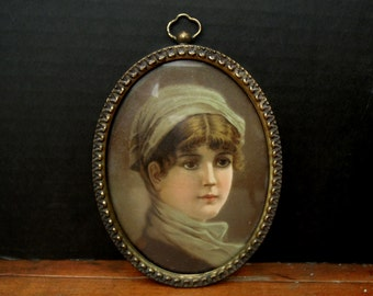 Fabulous Vintage Brass Oval Picture Frame / Antique Frame