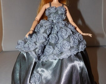 Red Carpet Collection - Stunning silver grey satin formal with Chiffon floral top for Fashion Dolls - ed780