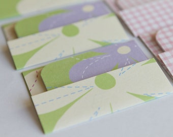 NEW - Mini Cards n Envelopes - Set of 8 - Spring Picnic with Purple and Cream Flowers Pink Gingham