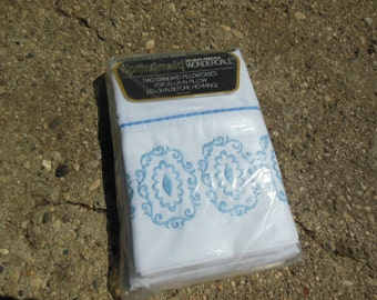 Standard Size Pillow  Case Pair By Springmaid, Old Stock, New in Packaging