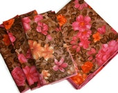 Floral Cloth Napkin Set / SET of 4 / Colorful Pink and Orange / Retro Linen / Hostess Gift / c1970s