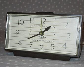 Vintage Westclox Dialite Lighted Dial Electric Clock Alarm Wood Grain Plastic Nightstand Nightlight Bed