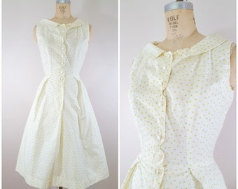 Vintage 1950s Dress / Tiny Yellow Flowers / Cotton Day Dress / XS