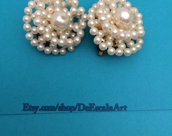 Faux Pearls Clip On Earrings, Vintage cluster, Wedding Accessory, item no D505