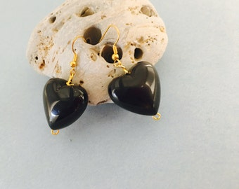 Black Heart  Earrings, Vintage Inspired, Gold tone, Made in the USA, item no De032