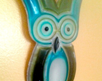 Take 20% off Retro Molded Lucite OWL Olive & Turquoise Wall Hanging Trivet