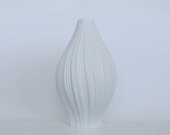 Modernist XL Porcelain White 'Plissée' Vase - M. Freyer for Rosenthal 1960s