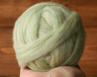 Wool Roving for Needle Felting in Celadon Green, Spring Green, Pastel, Light Green, Wet Felting, Spinning, Chunky Yarn, DIY