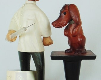 ROMER Hand Carved Veterinarian And Dachshund With Giant Needle Caricature Made In Italy For Princely PRISTINE CONDITION Original Tag