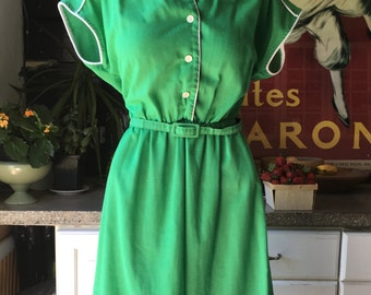 Gorgeous, Green, Gregarious Gress I mean DRESS- 1970s - 1980s does 1950s lightweight cotton blend day dress