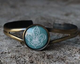Bracelet petite merveille fleur de lys (BR-33) LAST ONE