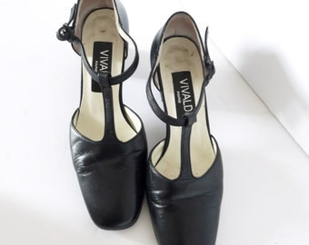 French Vintage black leather pumps T- straps maryjaynes size 6.5 EU size 37