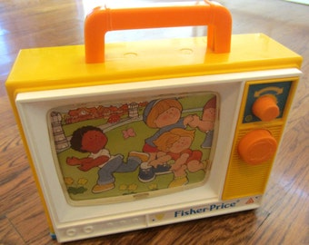 Vintage Fisher Price 1987 TV #2204 Still Works and Plays Division of Quaker Oats