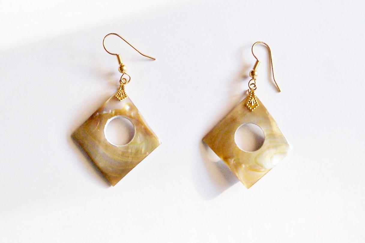 earrings of pearl mod avante garde by yoursoccasionally