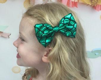 Mermaid Hair Bow - mermaid hair clip - girls hair clips, girls hair bow, baby mermaid hair bow, green scales mermaid tail, non slip clip