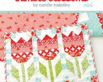 Thimble Blossoms Vintage Tulips  Mini Quilt Sewing Pattern Moda Bonnie and Camille