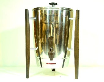 Midcentury Designed Regal Ware Coffee Maker 10 to 30 Cup Capacity