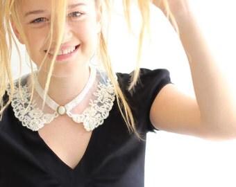 Bib lace collar peter pan collar  necklace victorian jewelry