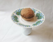Retro Cake Stand Cupcake Dessert Jewelry Holder Upcycled Vintage Avocado Green Blue Kitchen Hostess Royal Vale Domum Vindemia Handmade