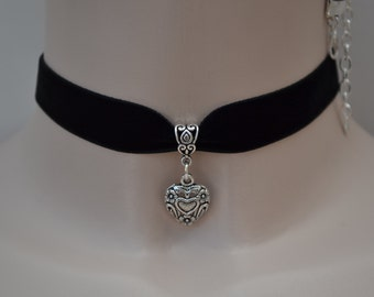 HEART in HEART Charm Black Velvet 16mm Ribbon Choker Necklace - lp... or choose another colour, hand made to size :)