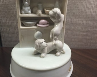 Vintage Ceramic Porcelain Mans Best Friend Beagle Puppy Music Box Moonlight Sonata