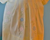 1980's Little Girls Toddler yellow Appliqued flower Dress Size 2T