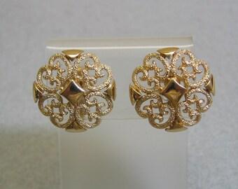 Gorgeous 1980 Avon Filigree Clip On Earrings