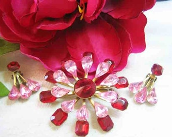 Vintage Pink & Red Rhinestone Brooch Earrings Set from 40s