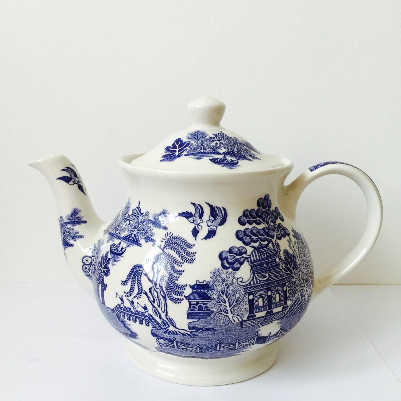 Blue And White Willow Pattern Sadler Tea Pot Vintage Gift For