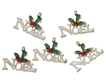 """5 NOEL HOLLY Christmas Charms or Pendants . Gold Plated with enamel, 5/8"""", chg0306"""