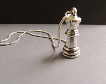 Queen Chess Piece Necklace in silver