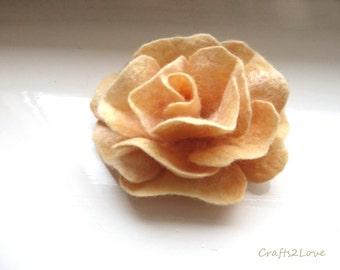 Felt flower brooch, Felt rose brooch 4 inches, Soft warm pastel yellow rose brooch, Wool felted flower, Corsage rose, Felt brooch, RTS