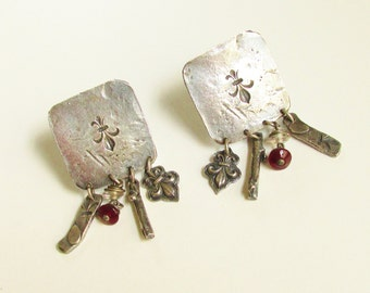 Vintage Modernist Fleur de Lis Dangle Earrings studio signed GK