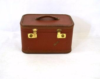 1950s Travel Joy Brown Train Case