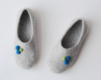 Handmade wool felted slippers with soles - light grey