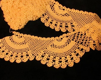 Vintage  Handmade Ivory Crocheted  Lace Scalloped Edging,Vintage Lace Trim, Vintage Crochet, Antique Crocheted Lace, Country Lace