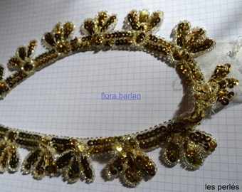 old embroiederie collar vintage sequins