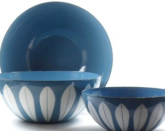 Cathrineholm Lotus Bowls Teal Blue White Catherine Holm  Sz 5.5 7 & 8 Enamelware 1960s Mid Century Modern